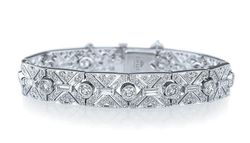 Kwiat 6.80 karat platinum diamond bracelet available at Paulo Geiss Jewelers