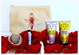 Savannah Bee Her Majesty Travel Kit
