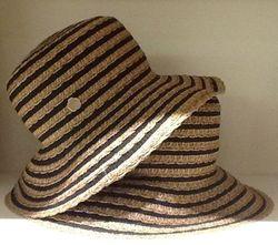 Eric Javitas hat