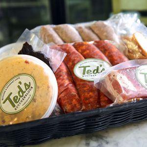 Teds-Butcherblock-Housemade-Basket-Sq_grande
