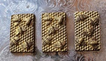 Adam Turoni Wildflower Honeycomb Chocolate Bar